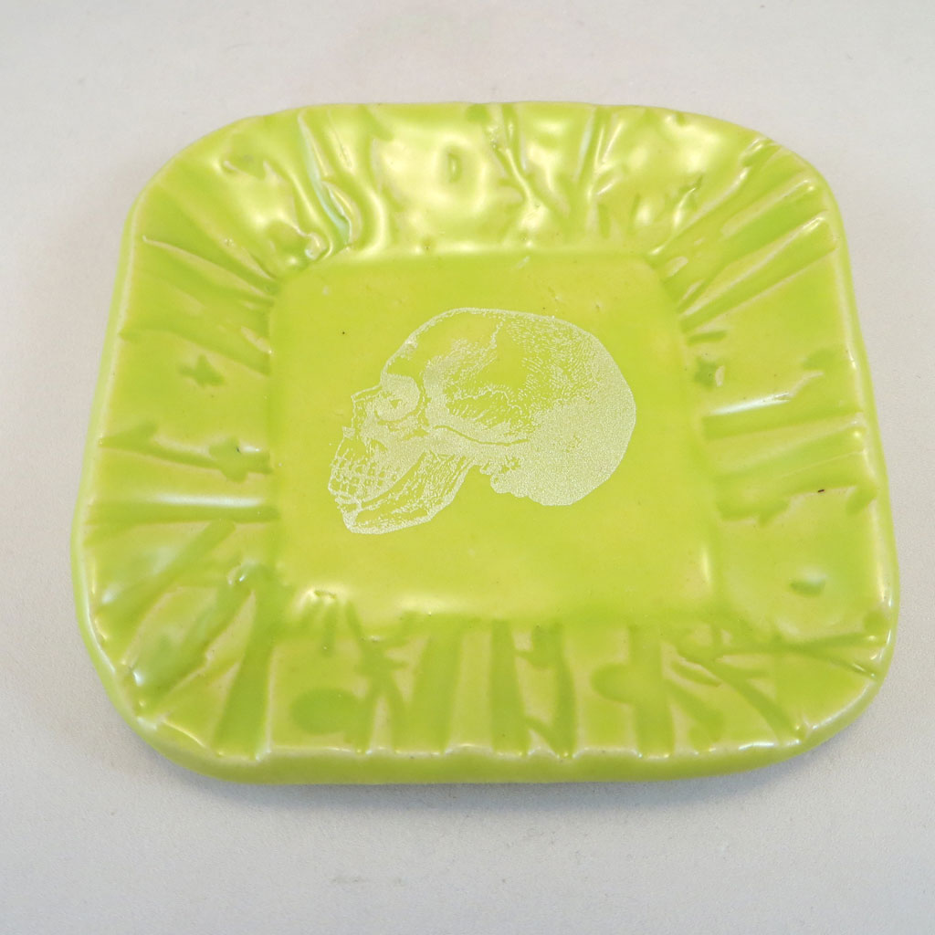Chartreuse skull dish top