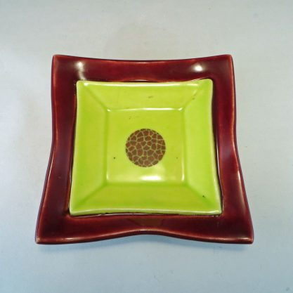 MaroonChartreuseDuplexDish top