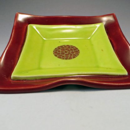 MaroonChartreuseDuplexDish side
